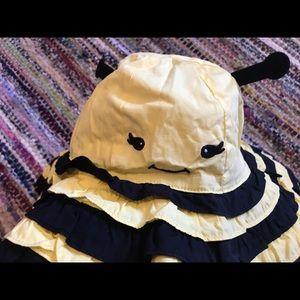 Gymboree BEE hat 🐝